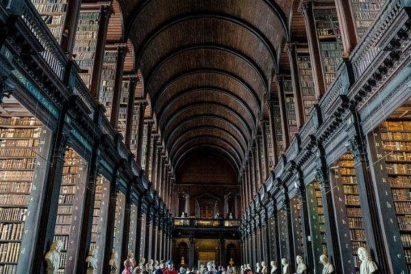 Top 10 bezienswaardigheden Dublin Trinity College bibliotheek